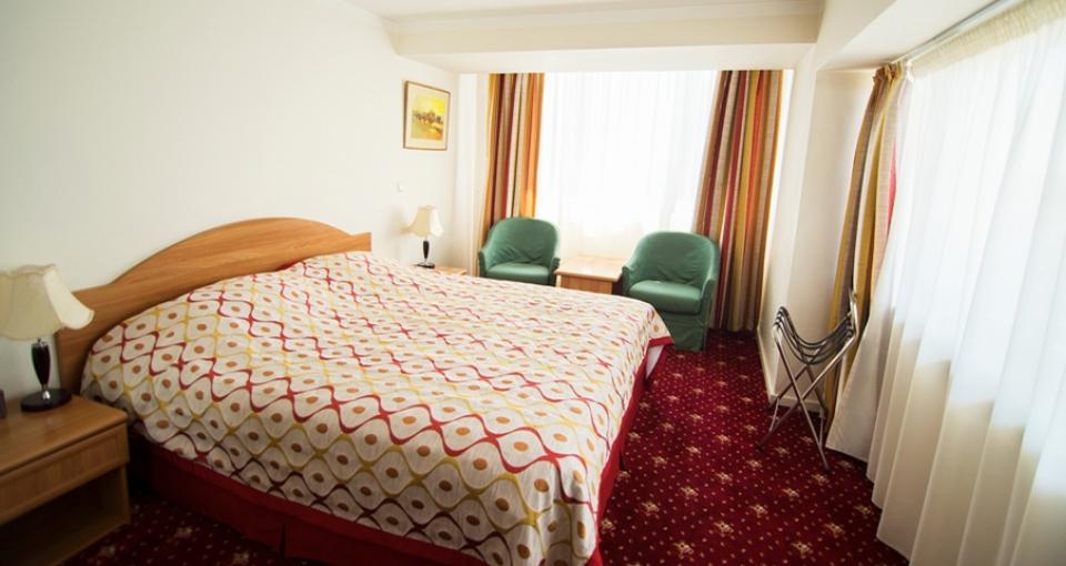 Eksempel på standardværelse på Ani Plaza Hotel.