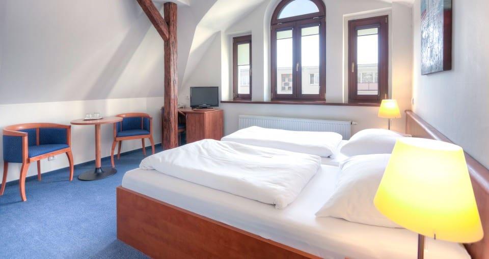 Eksempel på standardværelse på Hotel Lev i Lovosice.
