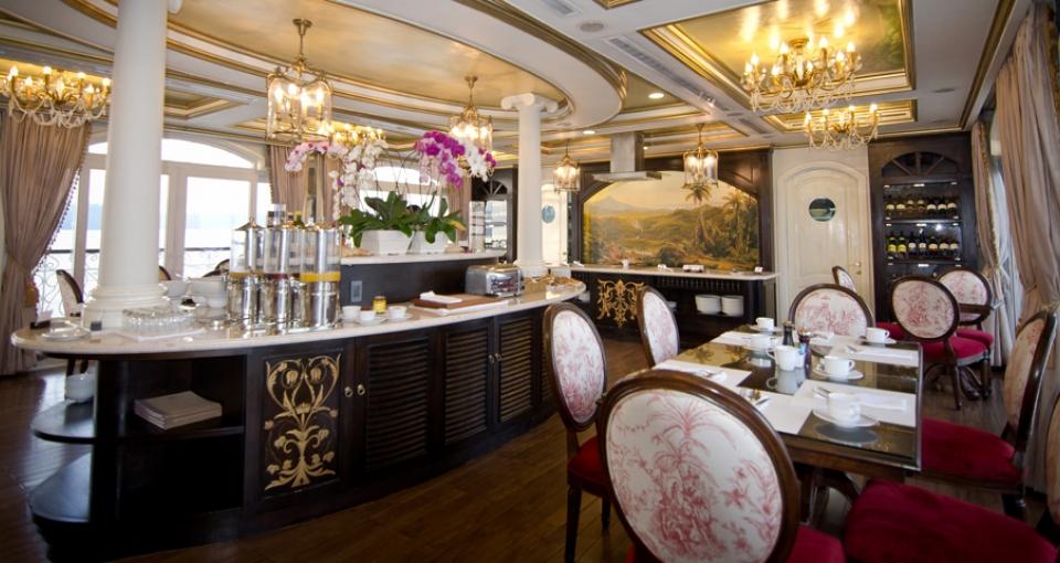 Skibets hyggelige restaurant.