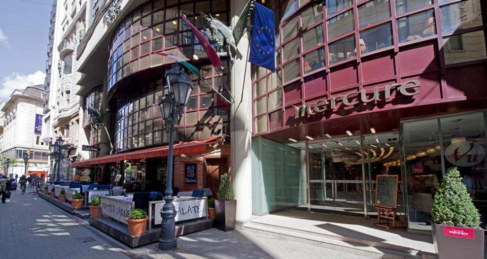 Mercure Budapest City Center Hotel ligger midt på gågaden Váci utca.