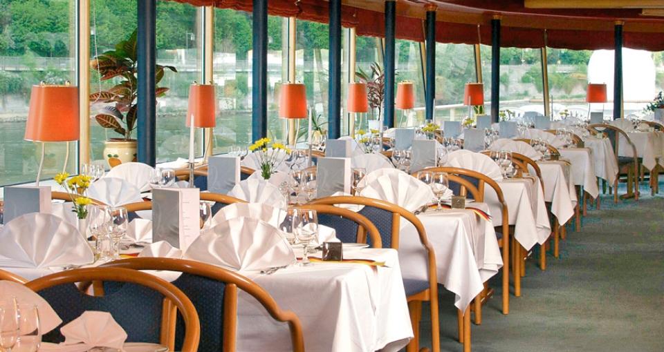 Den hyggelige restaurant på MS Primadonna.