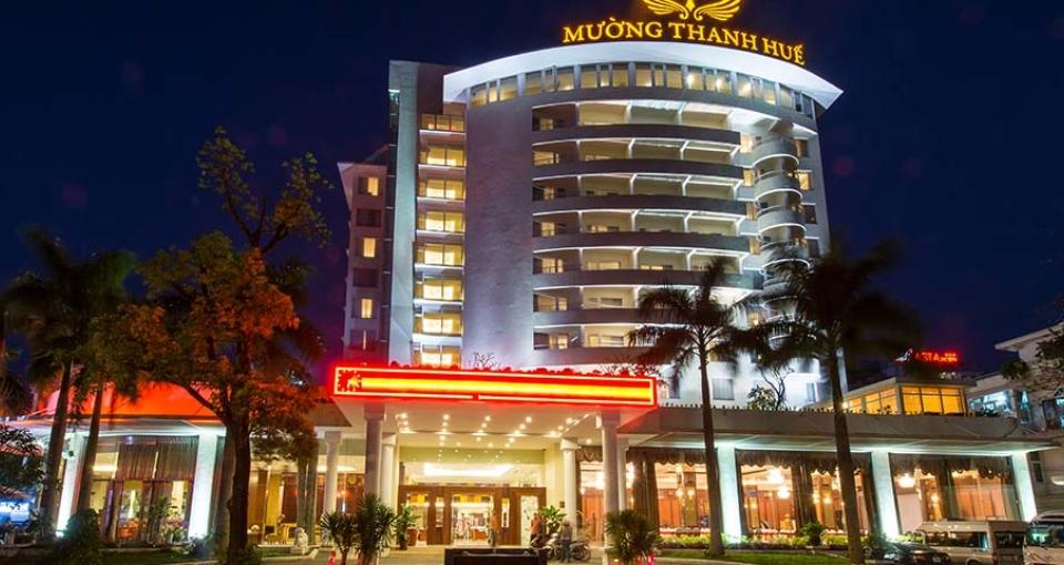 Indgangen til Muong Thanh Hotel.