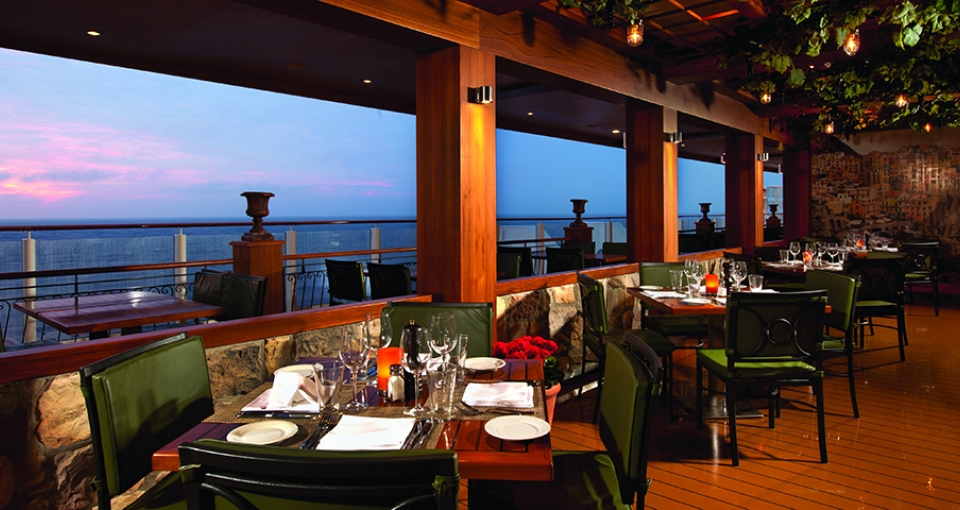 En af de mange restauranter på Norwegian Getaway.