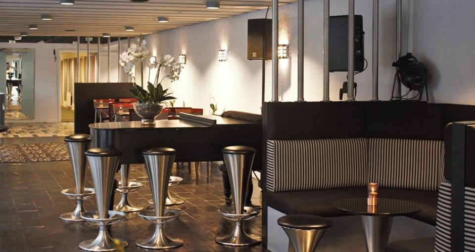 Baren på Hotel Pejsegården.