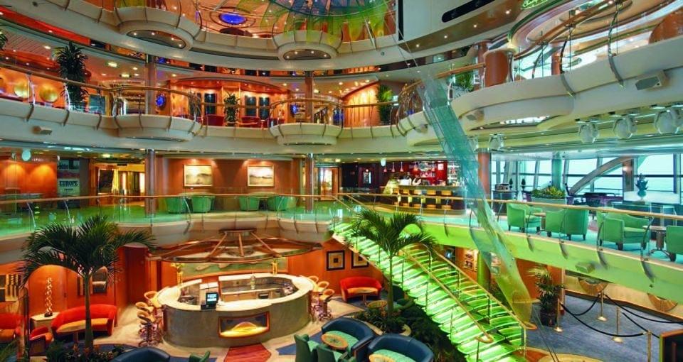 Atriumet på Serenade of the Seas.