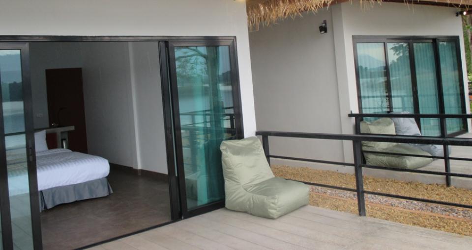 Værelsets terrasse.