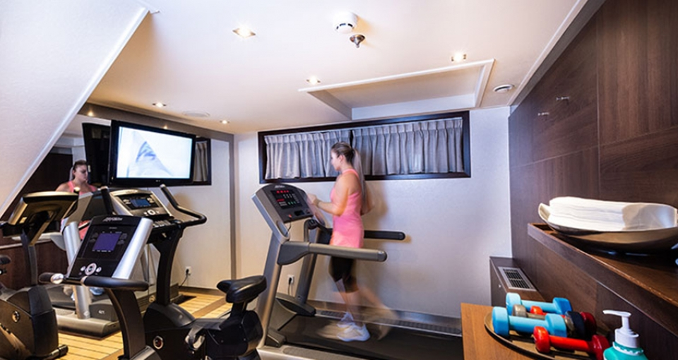 På MS Monarch Princess finder du et lille fitnessrum.