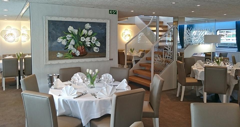 Restauranten ombord på MS Gil Eanes.