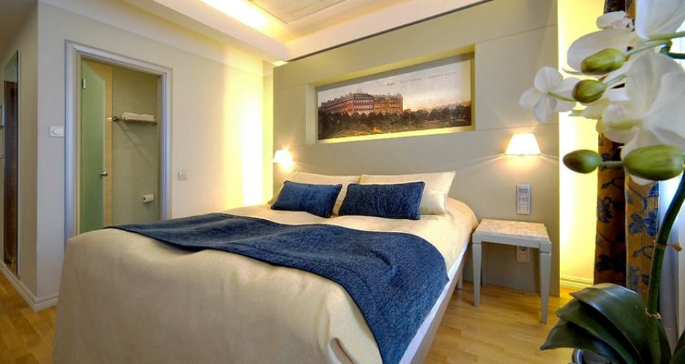 Eksempel på standardværelse på Opera Hotel & Spa.