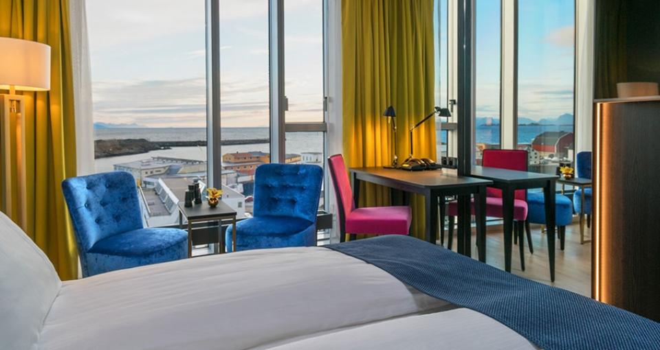 Eksempel på panorama superior-værelse på Thon Hotel Lofoten.