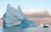Gummibåd og isbjerge, Grønland.