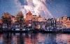 Fyrværkeri over Amsterdams karakteristiske huse.