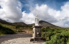 På vej op ad Croagh Patrick og statue.
