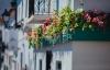 Blomstersmykket balkon i Altea.