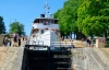 Skib på igennem en sluse i Gøtakanalen.