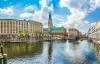 Binnenalster og rådhuset i Hamborg.