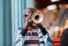 Mand med trompet på Cuba.