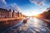 Solnedgangsejlads på Seinen.