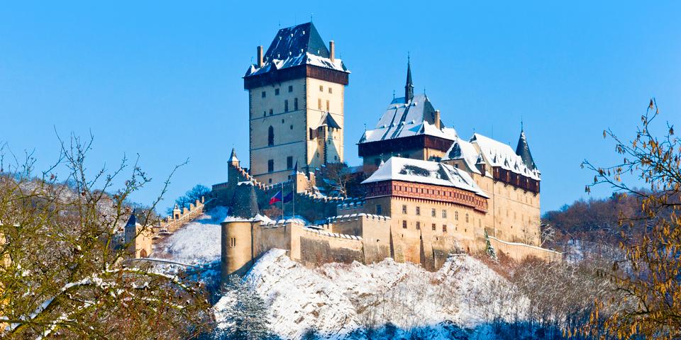 Karlstejnborgen 30 kilometer udenfor Prag.