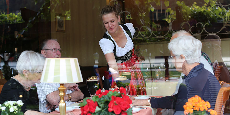 Vi forkæles i restauranten på Unter den Linden.