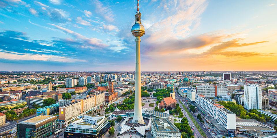 Udsigt over Alexanderplatz med tv-tårnet.