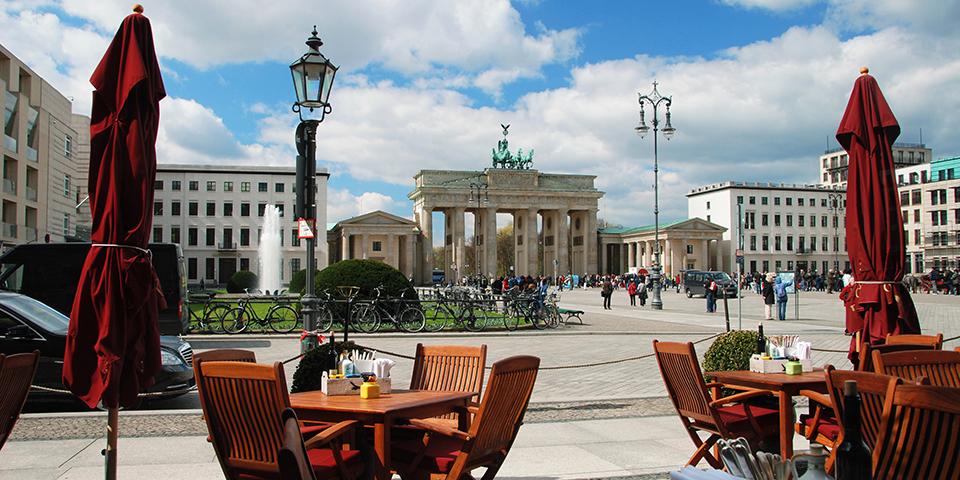 Café på Pariser Platz ved Brandenburger Tor.