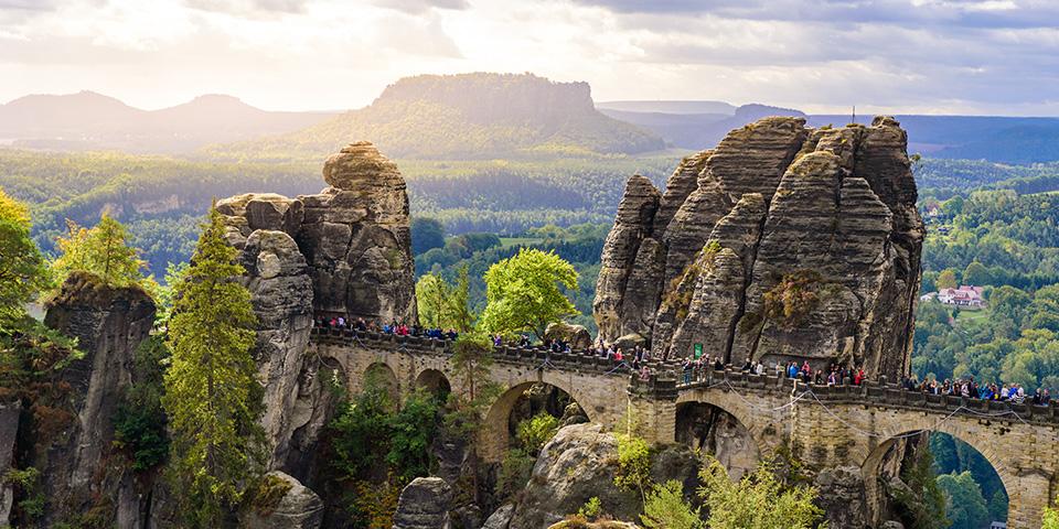 Sachsisk Schweiz og den berømte Basteiklippe.