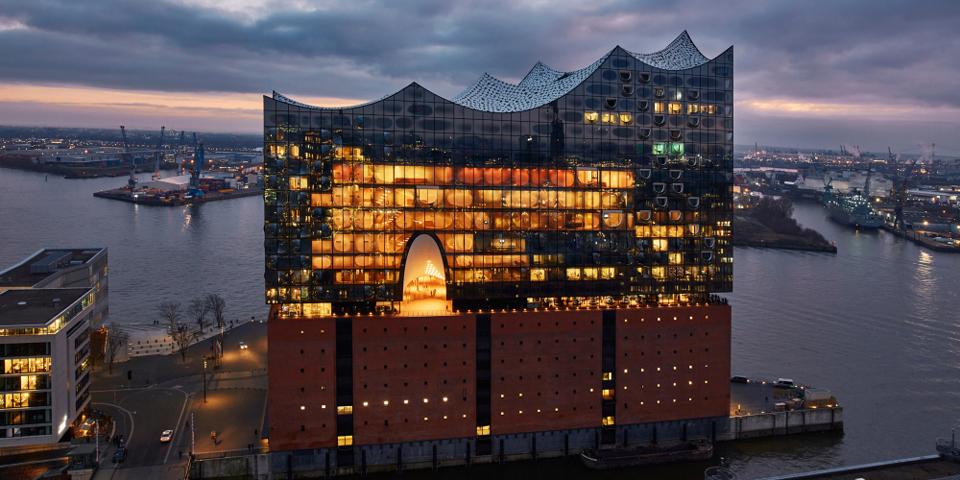 Hamborgs imponerende Elbphilharmonie.