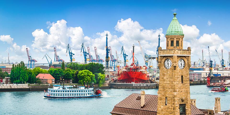 Hamborgs imponerende havn.
