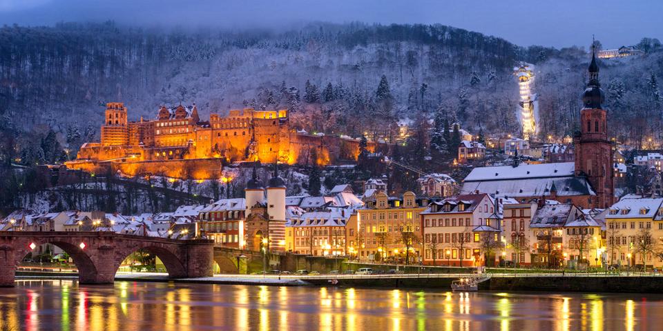 Hyggelige Heidelberg lyser op i vintermørket.