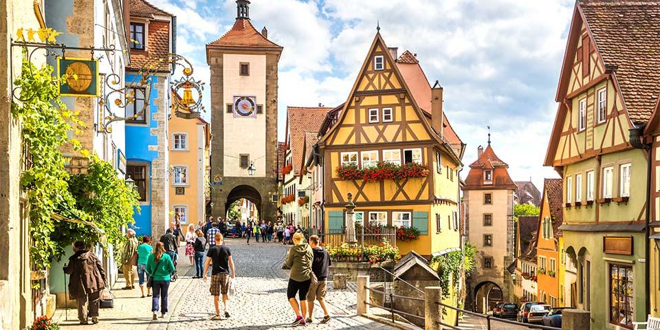 Oplev de mange smukke bindingsværkshuse i Rothenburg ob der Tauber.