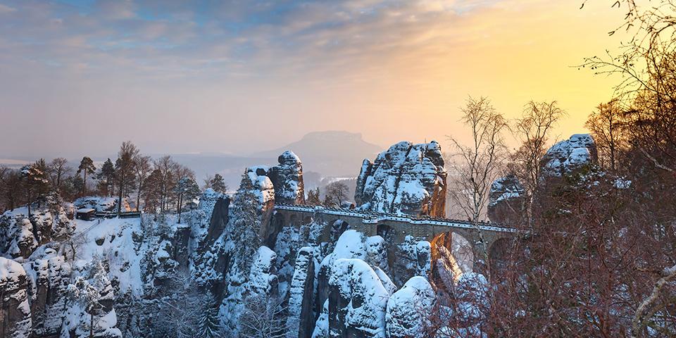 De karakteristiske klippeformationer ved Bastei.