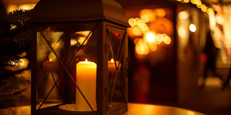 Levende  lys på julemarked i Wernigerode.