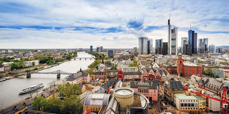 Moderne og historiske Frankfurt am Main.