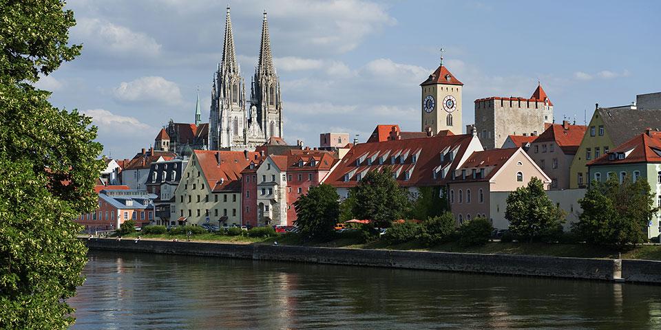 Regensburg med Sankt Peter-domkirken.