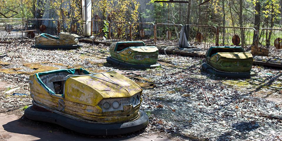 Forladte radiobiler i Tjernobyl.