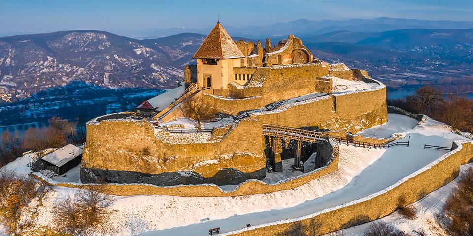 Det højtbeliggende slot Visegrad.
