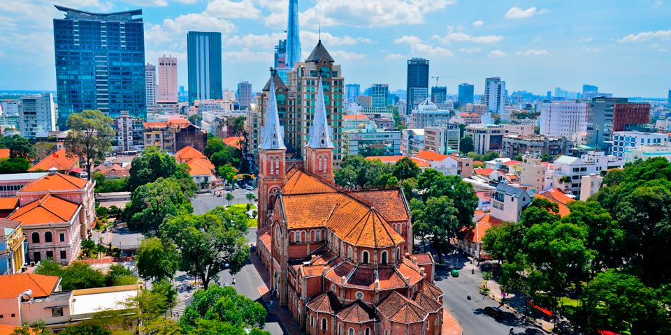 Udsigt over Ho Chi Minh City og katedralen.