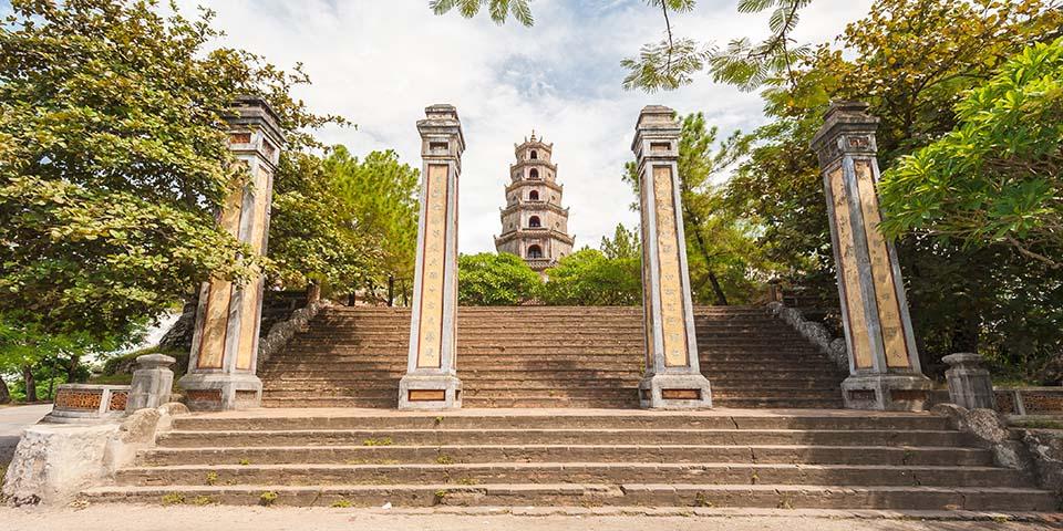 Den 21 meter høje Thien Mu-pagode.
